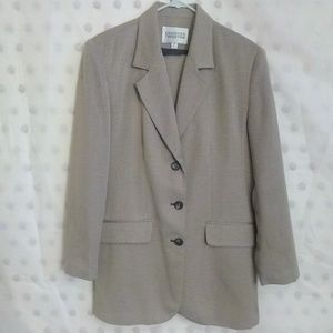 Executive Collection Women's 2pc Skirt Suit